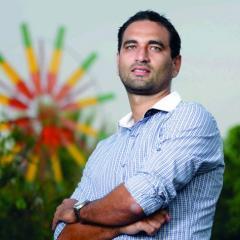 Dr Bernardo Alayza